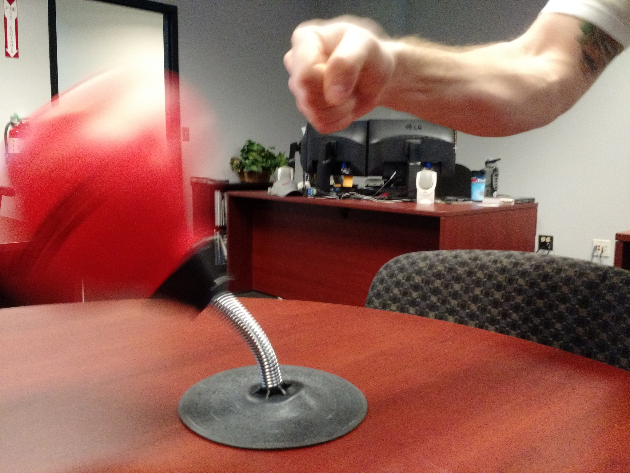 Charmant Desktop Punching Bag In Action